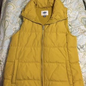 Jackets & Blazers - Old Navy Puffer Vest