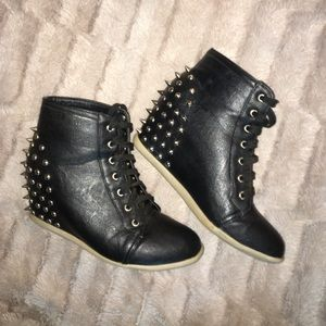 Steve Madden Shoes - Spiked wedge sneakers 😍