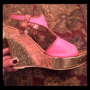 Bacco Bucci Shoes - Gold Wedge size 5.5
