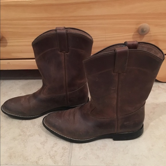 8ac28f00077 Women or Kid - Justin Roper Round Toe Boots