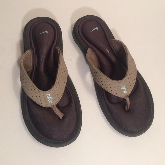 c2229d168acf Nike Comfort Footbed Flip Flops. M 58573a02b4188e31ca01694d
