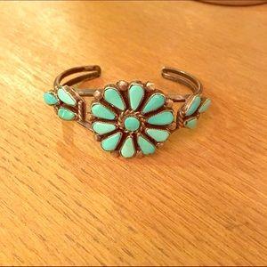 Vintage turquoise Zuni bracelet