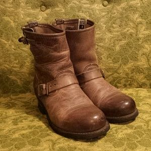 Frye Shoes - Frye Engineer 8r boots