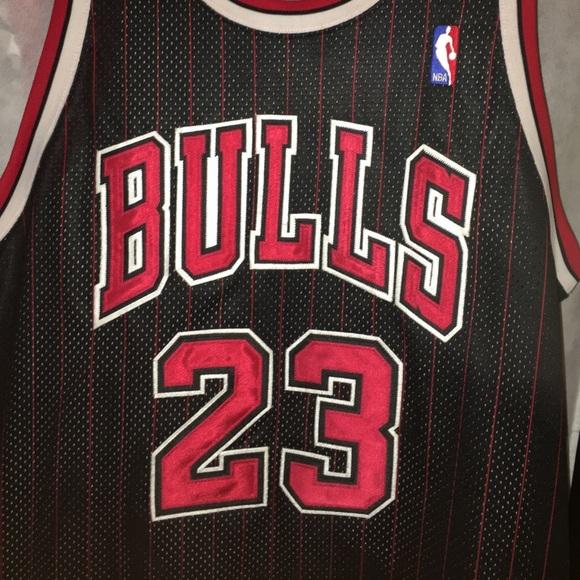 Michael Jordan Authentic Chicago Bulls jersey 52. M 58573fcc7f0a05d5ec00e1f3 42e228282
