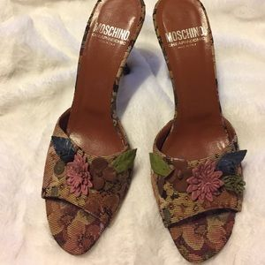 Love Moschino Shoes - Moschino Tapestry Floral heels