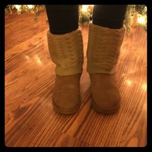 Ugg boots with sweater top chestnut size 7