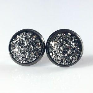 thejeweladdict Jewelry - 3 for 15🎀flat rocky Grey faux druzy studs