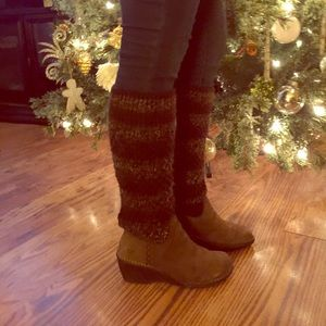 Ugg boots sweater top size 7 brown