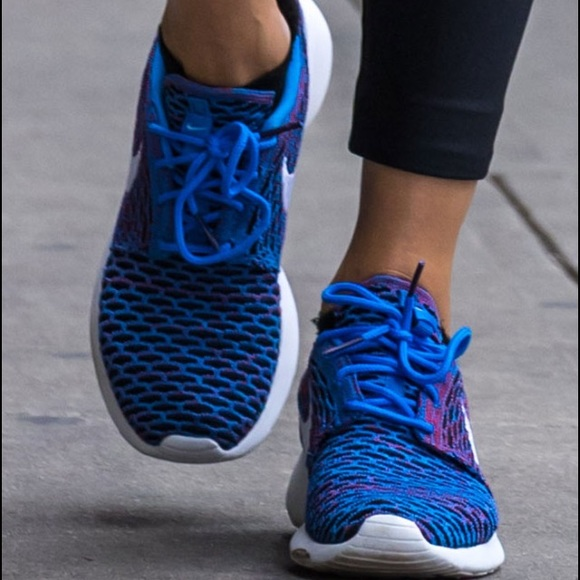 0ebf872784728 Women s Nike Roshe one flyknit sneakers