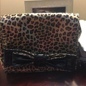 Handbags - Barley been used darling purse