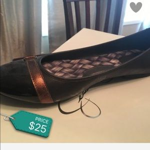 Shoes - Comfy Born shoe