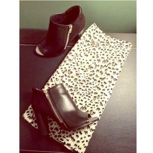 LOFT Dresses & Skirts - Loft Animal Print Skirt