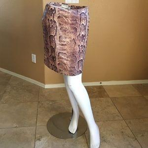 Cache Midi Skirt!