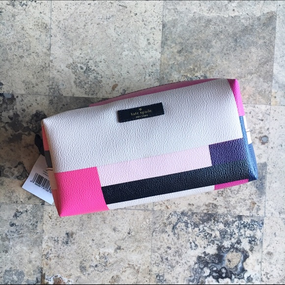7345f6a73b63 Kate Spade New York Medium Davie Makeup Bag