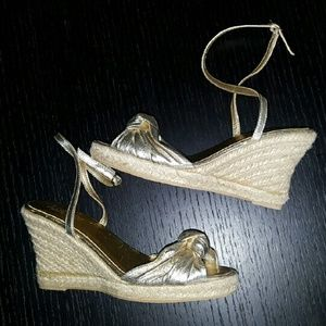 J. CREW GOLD LEATHER WEDGE SANDALS 6