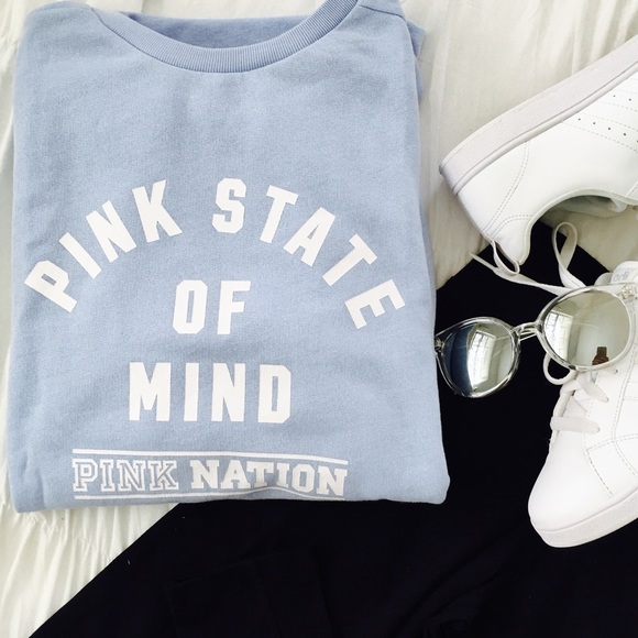 4368a52b69 NWT PINK Nation PINK State of Mind Campus Crew