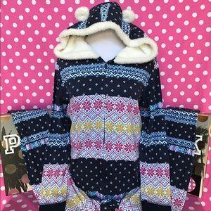🆕NWT VS hooded Sherpa onesie pajamas