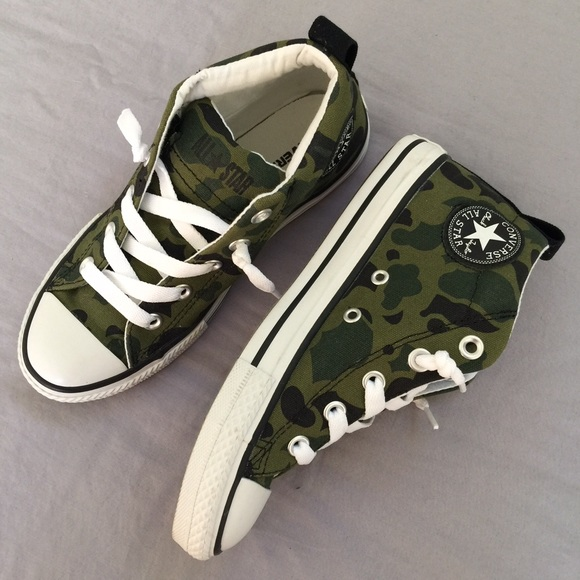 192b7dcc5af5 Converse Other - 🎉HP🎉camouflage Converse 3.5