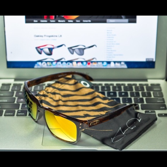 5784510e58 Oakley Hollbrook Shaun White sunglasses. M 58584429680278b39c013a80. Other  Accessories ...