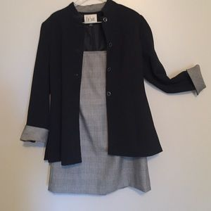 Le Suit Dresses & Skirts - 2 Piece Le Suit Jacket/Skirt Set