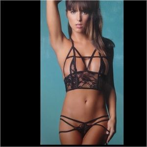 aa12c31aa Lace bralette with multiway strapped lace panty