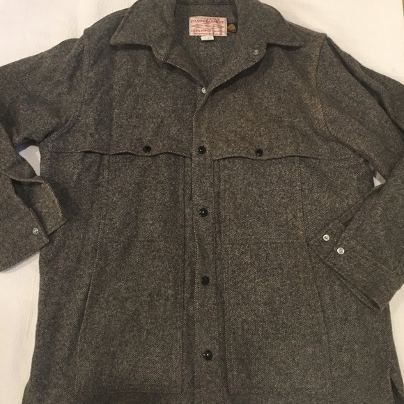 068720097 Filson 100% wool gray coat