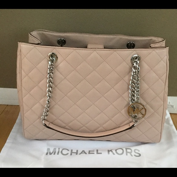 2ed1afc5cb14 SALE!!! Michael Kors Large Pink Leather Bag