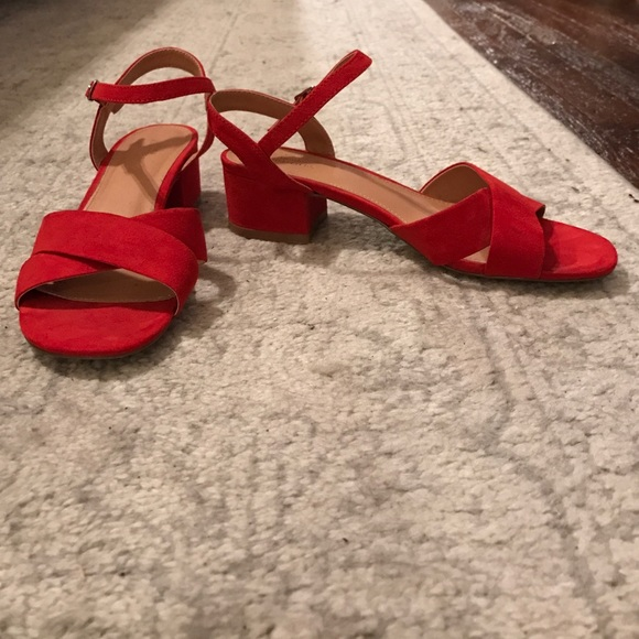 0a5db84f1b7 Urban Outfitters red low block heeled sandals sz 7.  M 5858788c4e8d17fe4b04bc20