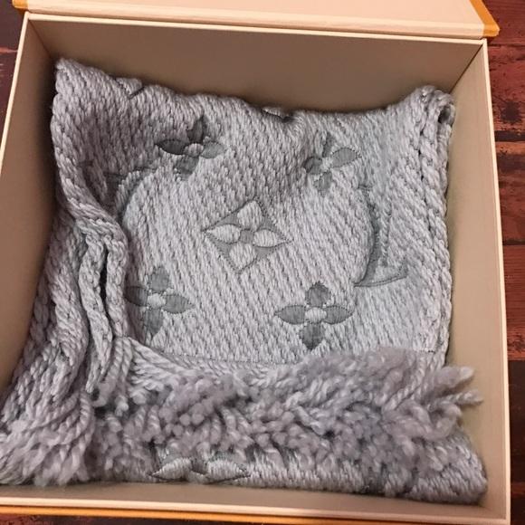 Louis Vuitton Accessories   Brand New Wbox Logomania Scarf Gray ... 6203e4fe6cf