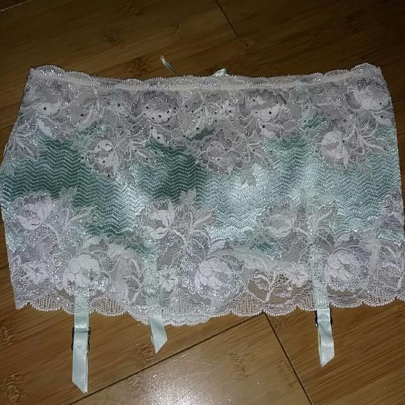 0f570c833 NEW Victoria Secret garter belt with panty