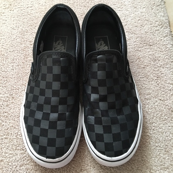 vans black on black checkerboard