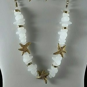 Gold and white starfish necklace set