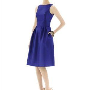Dresses & Skirts - Alfred Sung Midi Dress - Must Go!