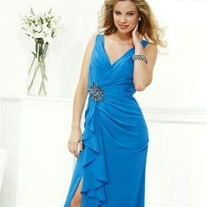 Faviana Dresses & Skirts - Faviana Chiffon Gown NWT