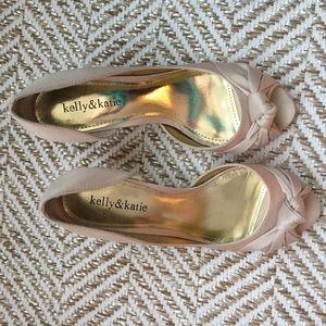 Kelly & Katie peep toe pumps