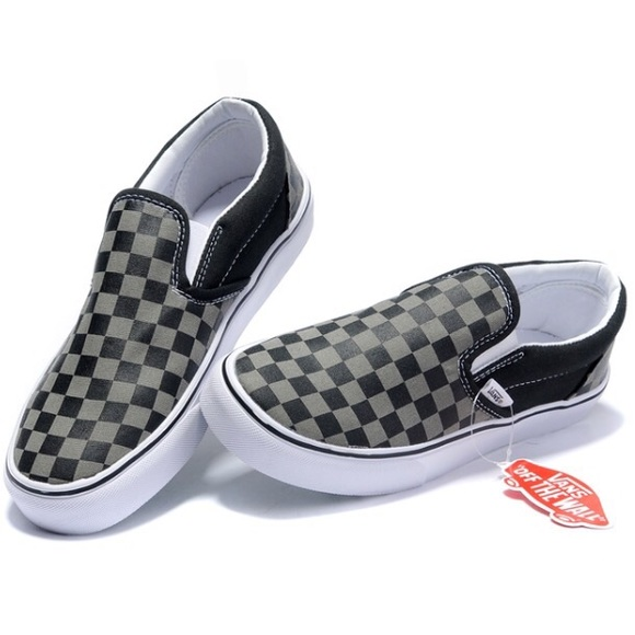 NWT Classic Slip on Checkerboard VANS in box. 019197e54