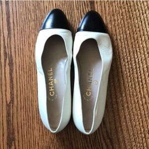 Chanel Black and White Leather Tapped Ballet Flats