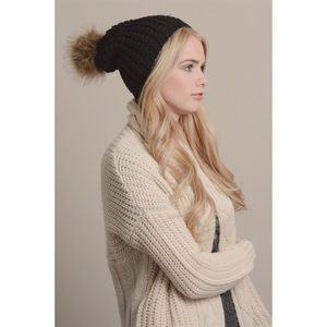 Hannah Beury Accessories - Black Knit Pom Beanie