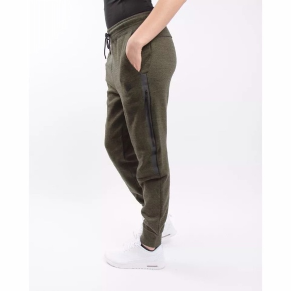 Women s Nike Tech Fleece Pants 75ac055b1