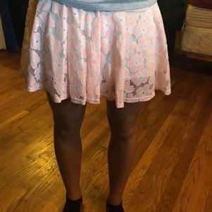 Dresses & Skirts - Lace skirt with flower details