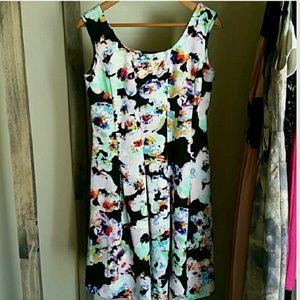 Spense Dresses & Skirts - Spense Floral Dress