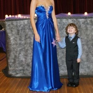 Tony Bowls Dresses & Skirts - Strapless pageant/prom dress