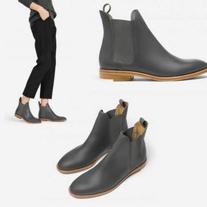 Everlane Shoes - 🎉HP 5/23!🎉 Everlane The Chelsea Boot