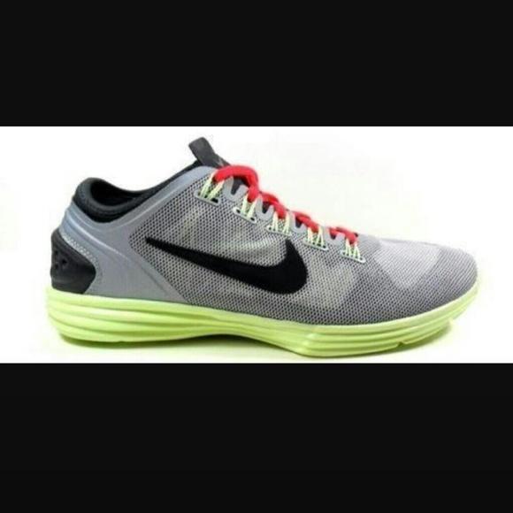 NIKE Women s Lunar Hyper Workout shoes. M 5859927ebf6df5143d01284b 2a7aaad857