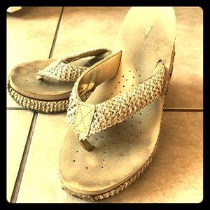 Volatile Shoes - Volatile natural wedge flip flops