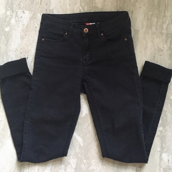 30% off H&ampM Denim - 🔵LAST DAY🔵 Black Skinny Jeans from Emma&39s