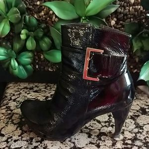 Sara Shoes - Patent leather booties
