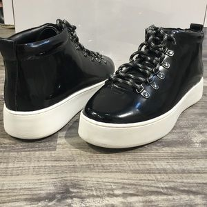 A7EIJE High Top Black Sneakers