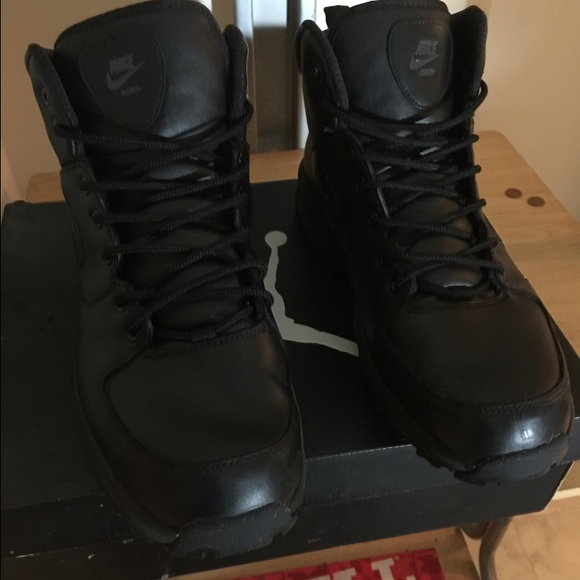 fc0f2131 NEW Men's Nike Manoa Leather Boots