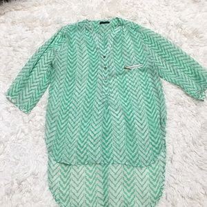 🍀Cals XL Green & White Chevron Striped Blouse 🍀